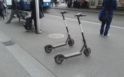 Die Stadt Zürich muss die E-Trottinettes in die Schranken weisen!